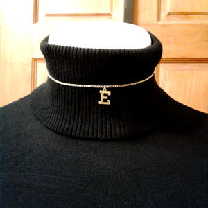 "Gold initial ""E"" choker necklace"
